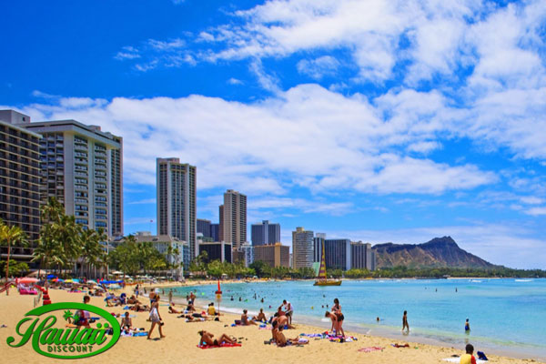 Hawaii_Beaches_View_of_Waikiki_Beach